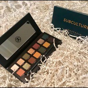 NIB ABH Subculture Eye Shadow Palette!